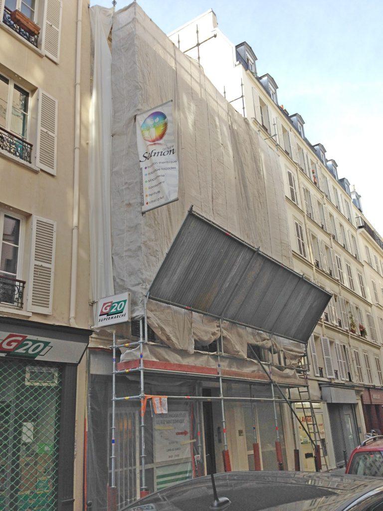 Protections pour les piétons pour les échafaudages montés en ville sur la voie publique