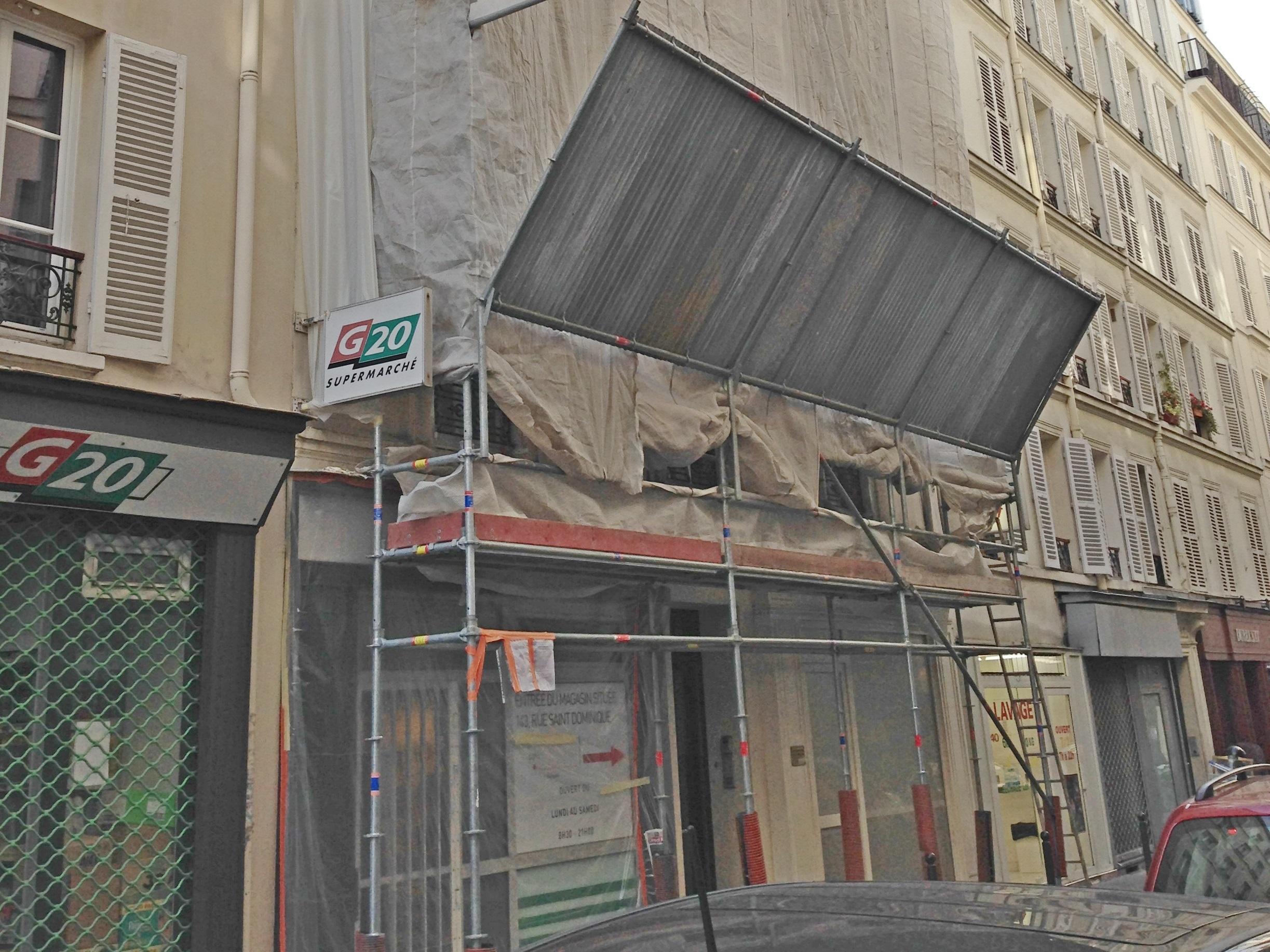 location d'échafaudage pour rénovation d'un immeuble de vile