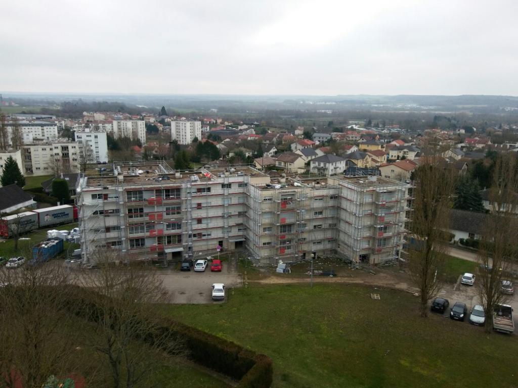 es échafaudages OMNILOCA pour une réhabilitation thermique d'immeubles à TOUL (54)